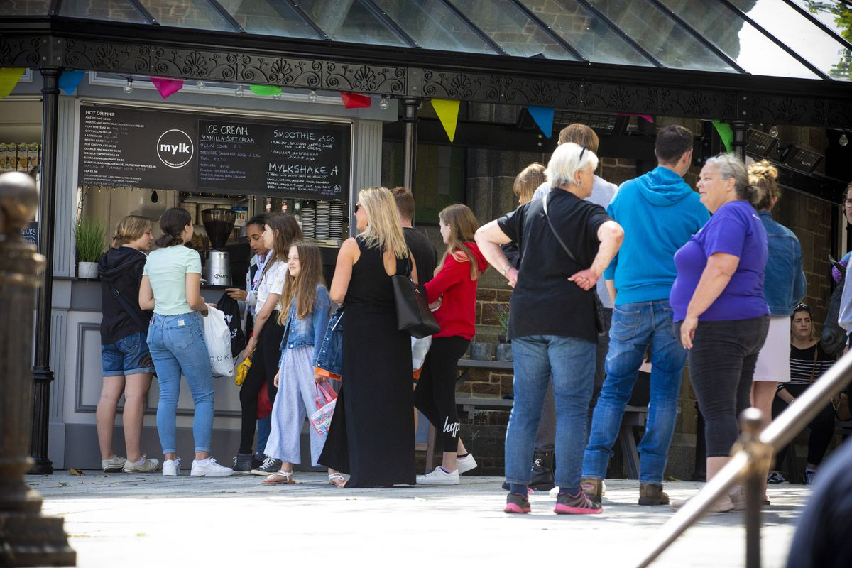 People queuing for food at Mylk in Market Square, St Peter Port. (Picture By Peter Frankland, 28537781)