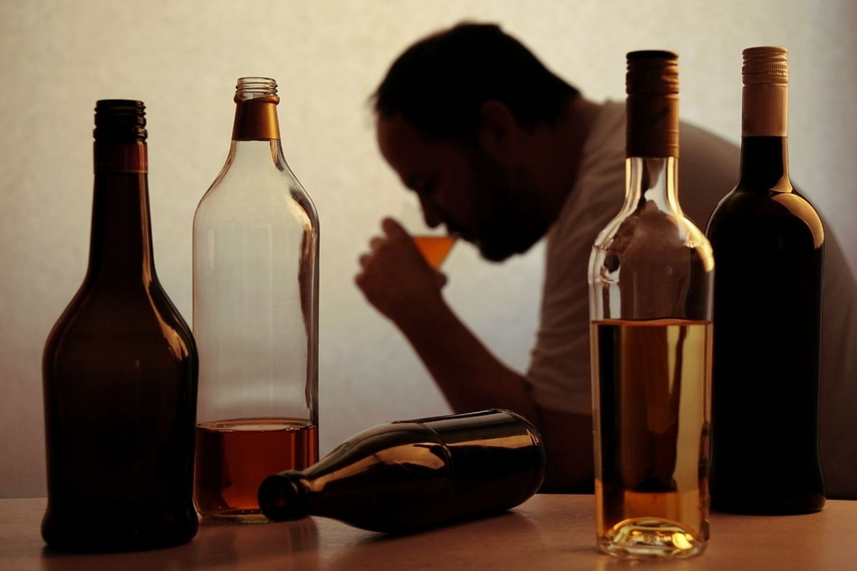 The Guernsey Alcohol Advisory Service is concerned that in the lockdown people might look to drink alcohol earlier. (27890969)