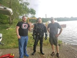 Newlywed reunited with father's ring thanks to underwater metal detectorist