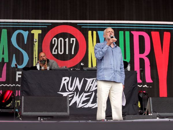 Corbyn calls for music and poetry at every meeting to tempt people to socialism