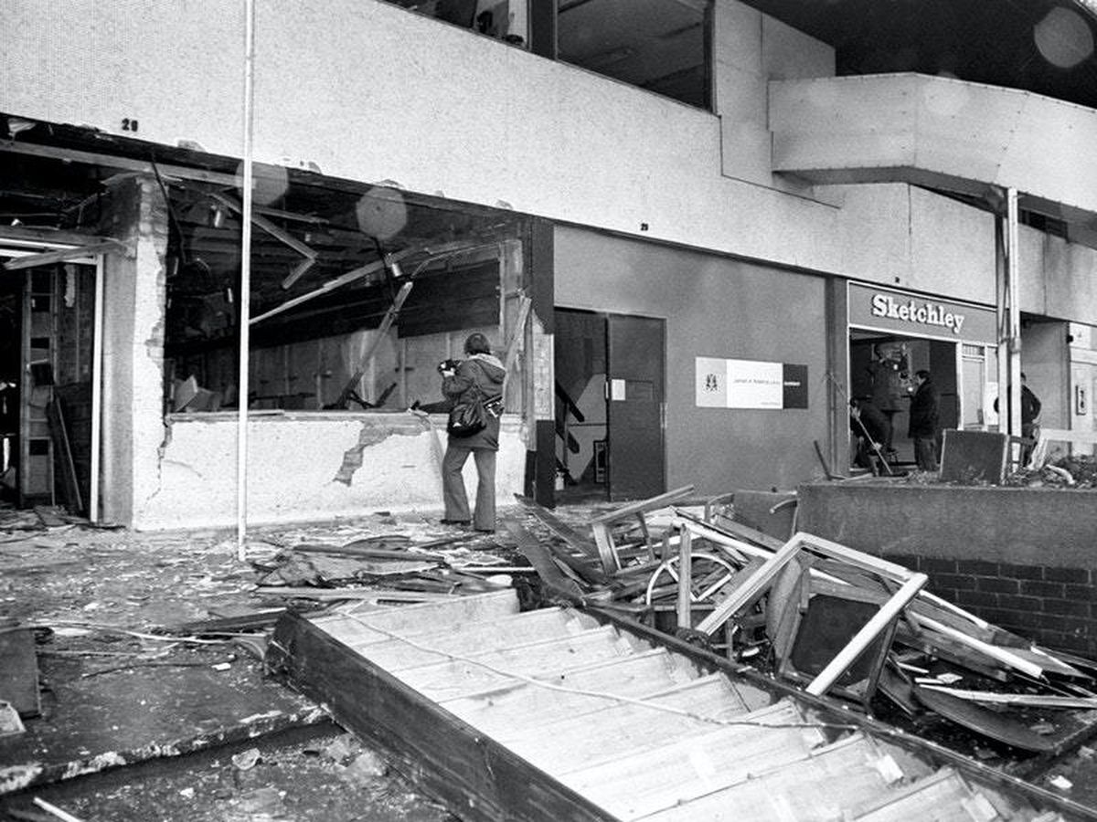 Home Secretary offers to meet pub bombings families over public inquiry call