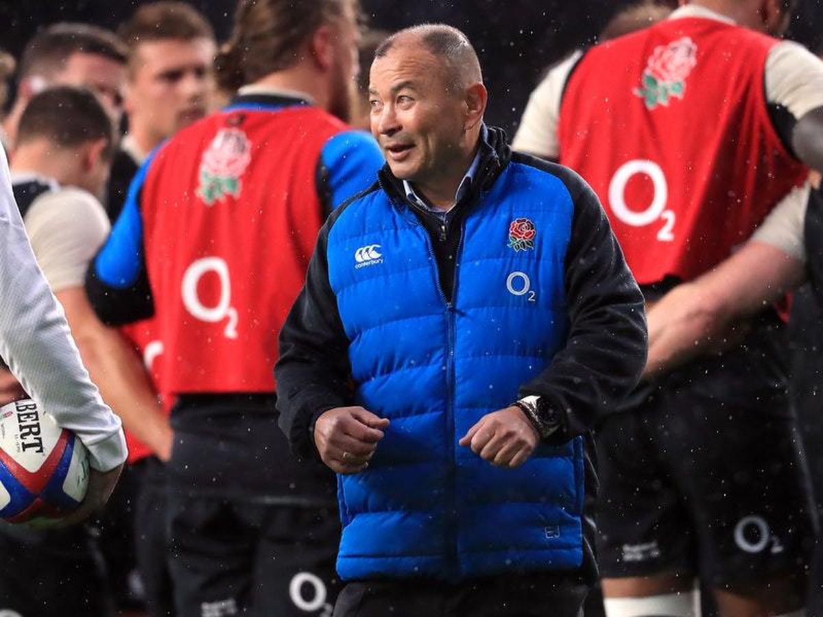 Eddie Jones praises conduct of England players after decisive offside call