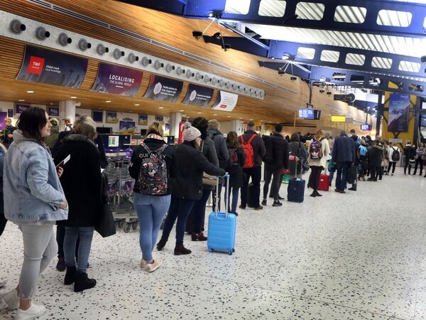 Some air passengers with hold baggage may face delays until spring due to new bag system