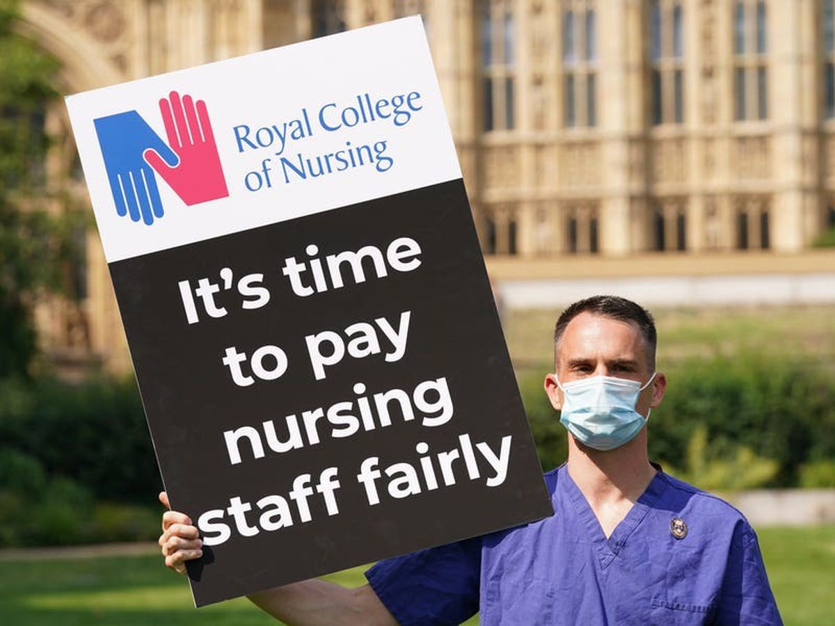 3% NHS pay rise could lead to industrial action, union says