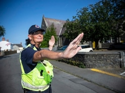 Civil Protection volunteers help with school traffic
