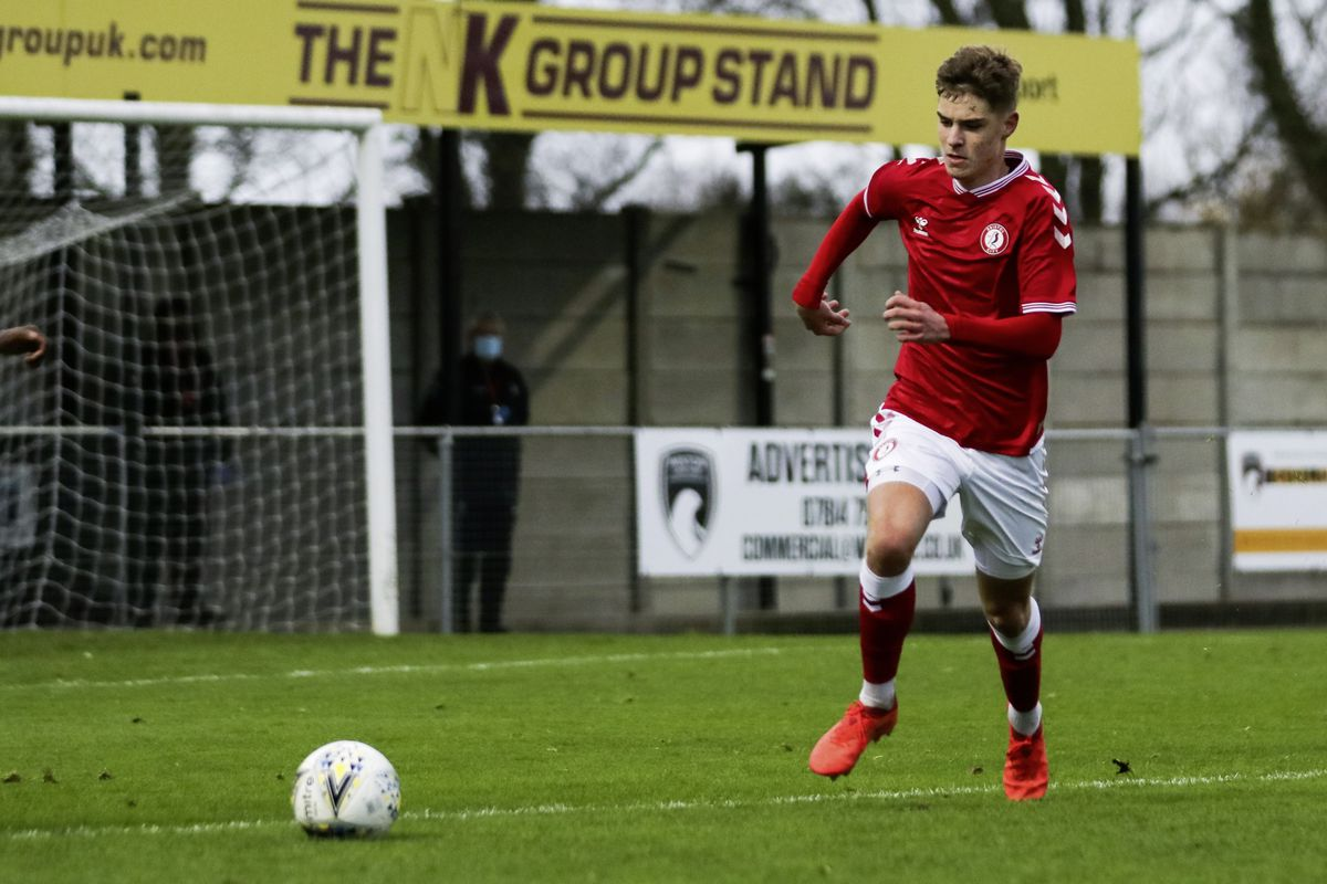 Well settled: Alex Scott playing for Bristol City U23s against Sheffield Wednesday U23s recently.(Picture by JMPUK, 28964713)