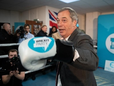 Farage refuses to stand down candidates in Labour marginals
