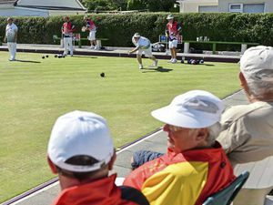 Golds shared around but the Greens edge outright victory