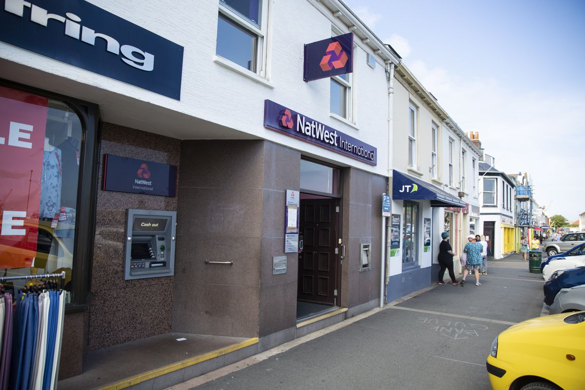 NatWest closed its branch on the Bridge earlier this year. (Picture by Peter Frankland, 29294591)