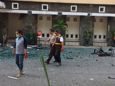 Bomb attacks hit three churches in Indonesia