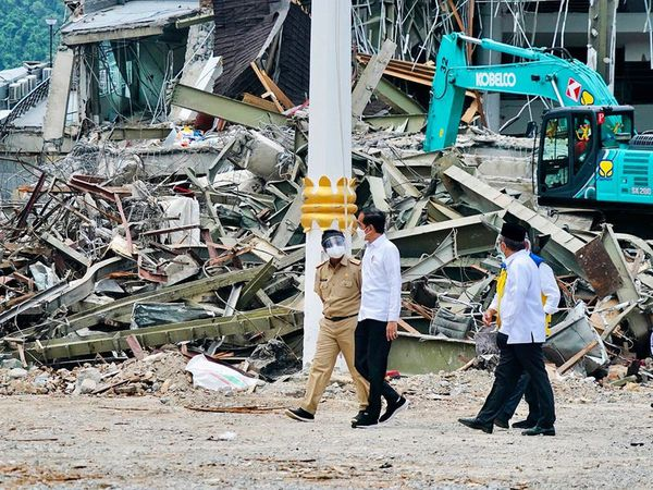 Indonesian leader travels to earthquake zone after visiting flood-hit region