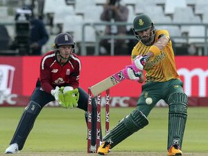 England chasing 180 to win Cape Town clash as Faf Du Plessis makes half-century