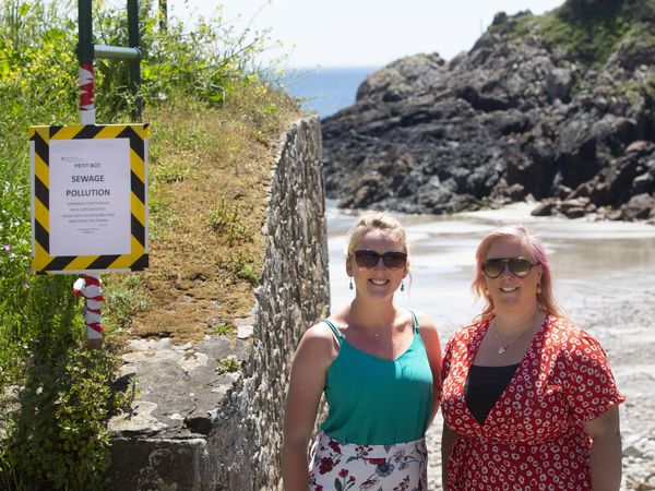 Picture By Cassidy Jones. 14-06-21 Sewage pollution at Petit Bot. L>R Jess Hamon, Helen Gallienne.. (29660498)