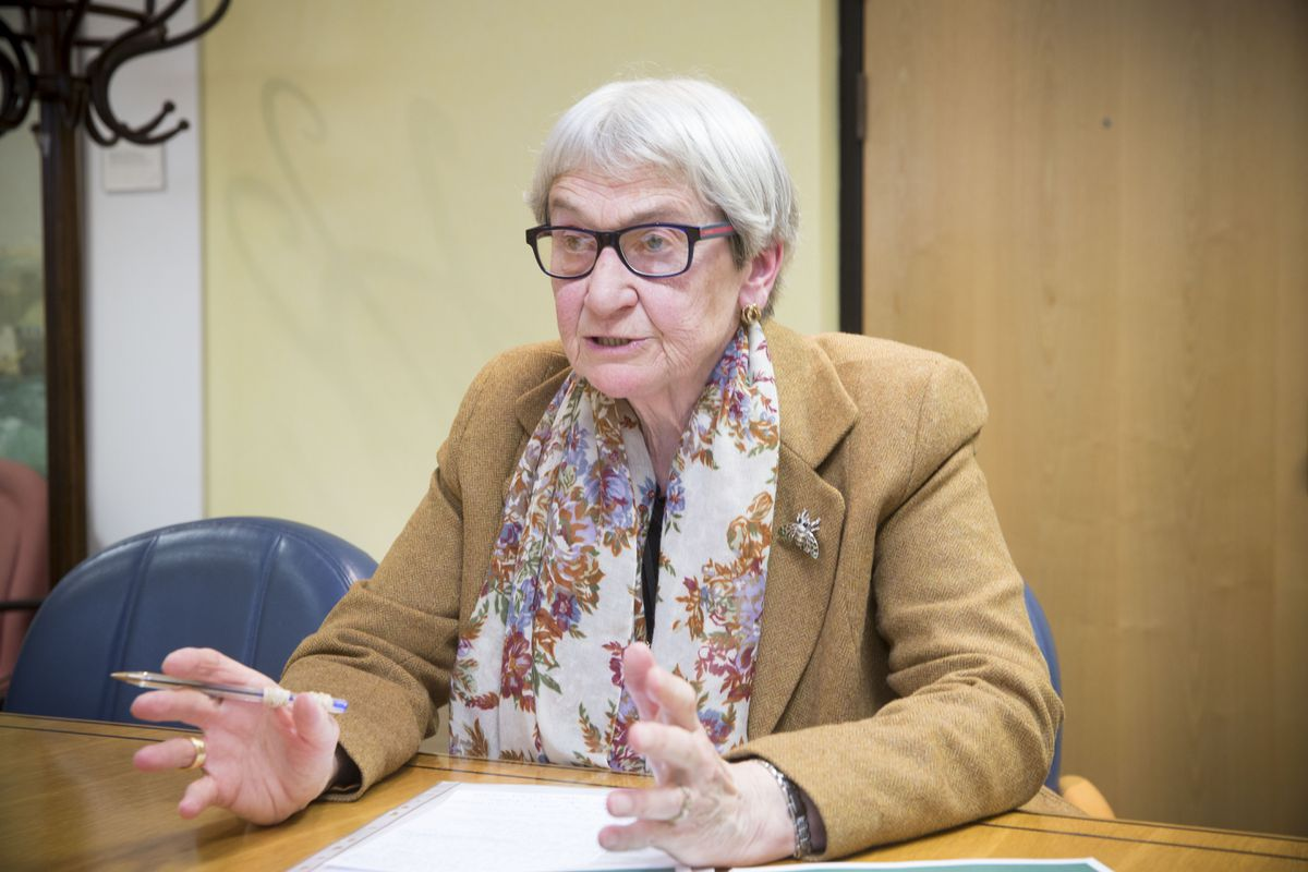 Deputy Jane Stephens said she had received emails from islanders stating that they have not had the time or opportunity to engage in the consultation properly because of lockdown, or actually discuss with each other about the implications of the debate. (28369730)