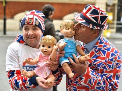 Royal fans camped outside hospital for 15 days eager to catch glimpse of baby