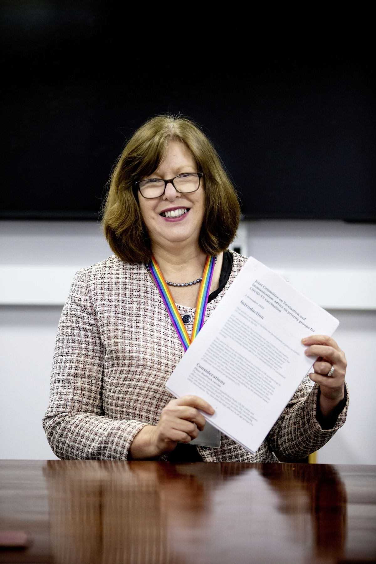 Dr Nicola Brink with the UK press release announcing the approval of the Pfizer/BioNTech Covid-19 vaccine. (Picture by Peter Frankland, 28975729)