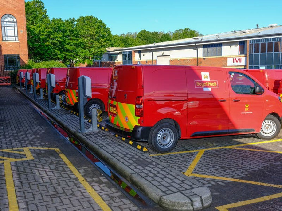 Royal Mail to increase electric vehicles in its fleet