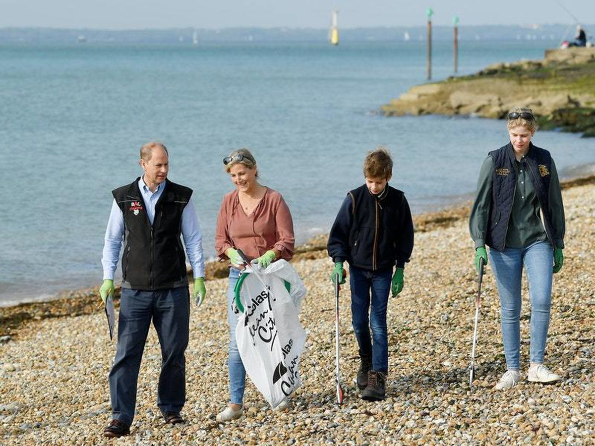 Earl and Countess of Wessex take children litter picking on beach