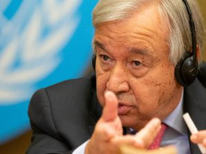 UN chief warns China and US to avoid another Cold War