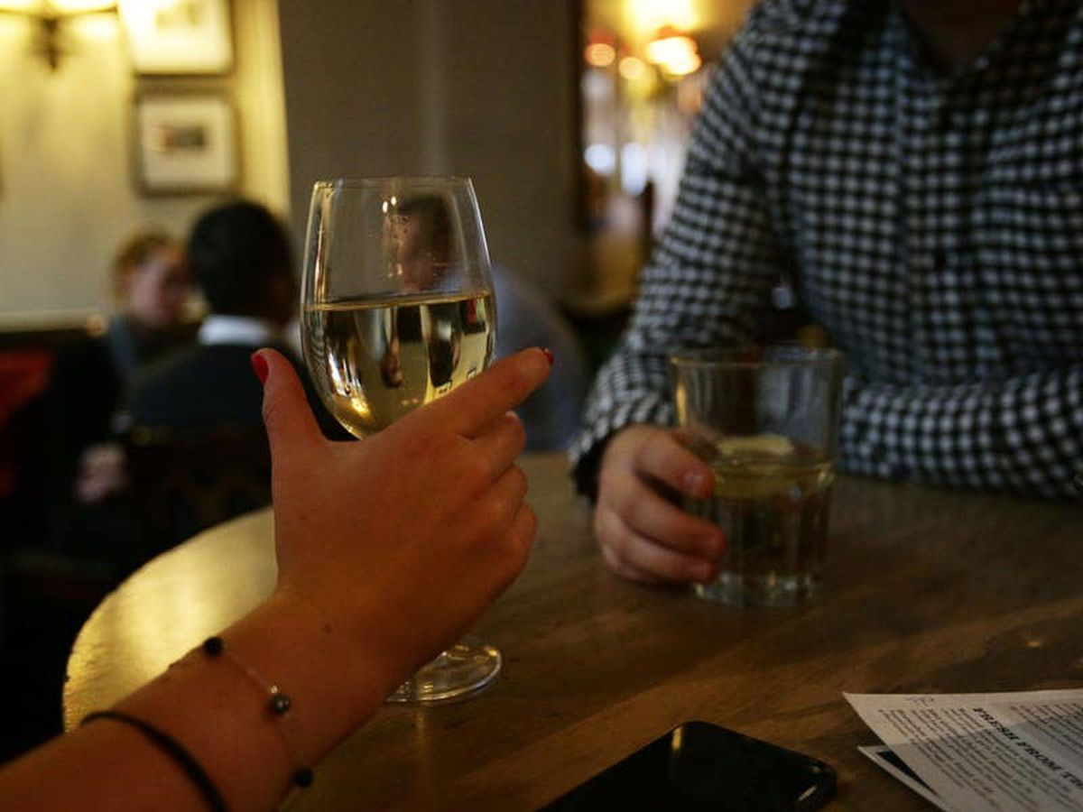 Certain occupations may be linked with higher rates of heavy drinking – study