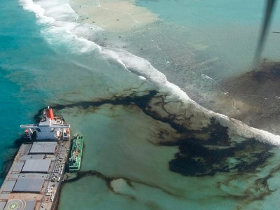 Mauritius seeks compensation as workers race to pump oil from grounded ship