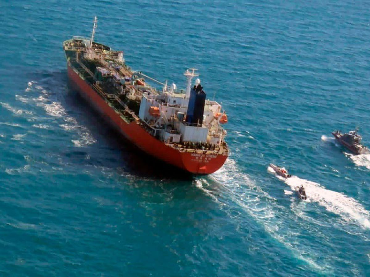 Seized South Korean tanker sails away from Iran's waters ahead of nuclear talks