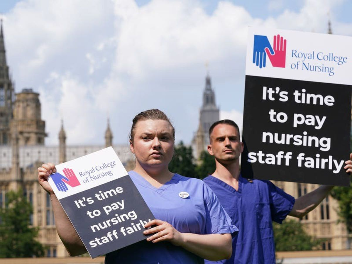 Health unions to consult over industrial action following 3% pay rise