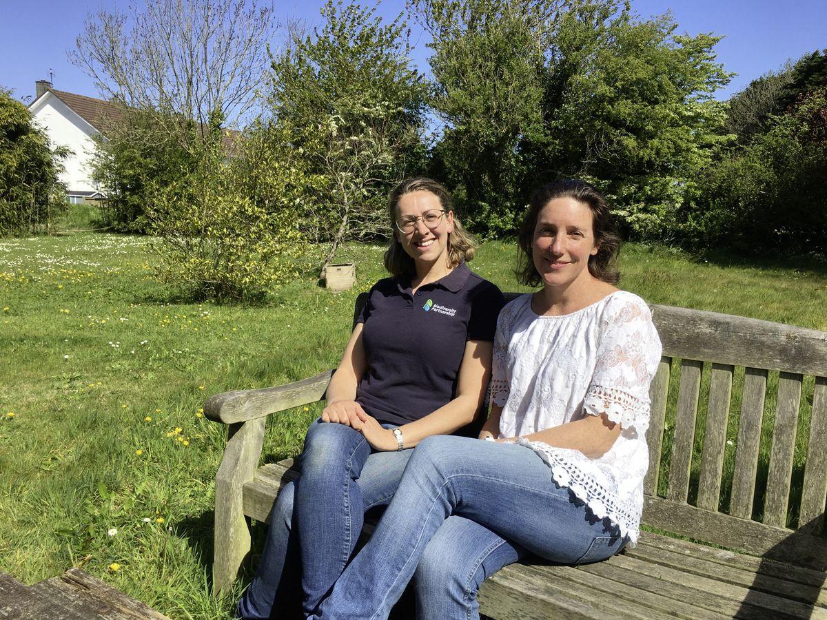 Biodiversity officer Julia Henney, left, and Environment & Infrastructure president Lindsay De Sausmarez. (Picture by Simon De La Rue, 29535410)
