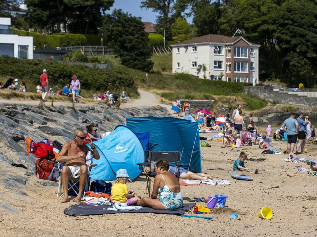 Sun and heat set to continue to bake parts of the UK