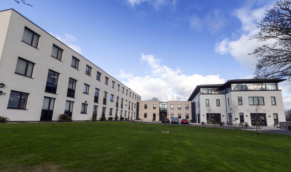 Ladies' College. (28914581)