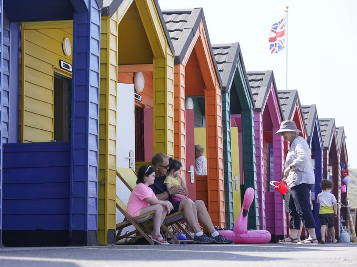 Hot weather to continue despite end of England's extreme heat warning