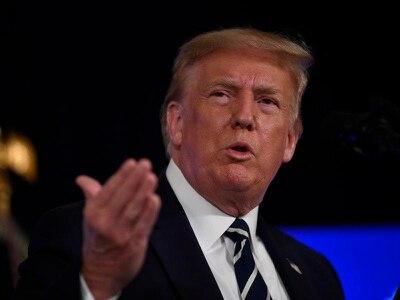 Trump extends unemployment benefits to help coronavirus struggle