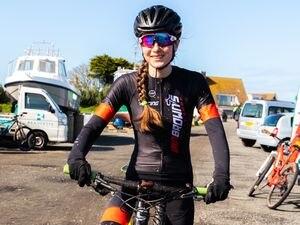 Flying – virtually: Kylie Vaudin in mountain biking dress before the Lockdown. (28302152)