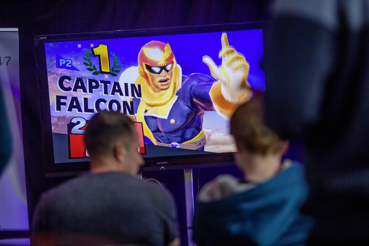 Super Smash Bros was one of two tournaments with a cash prize for the winner.  (30022865)