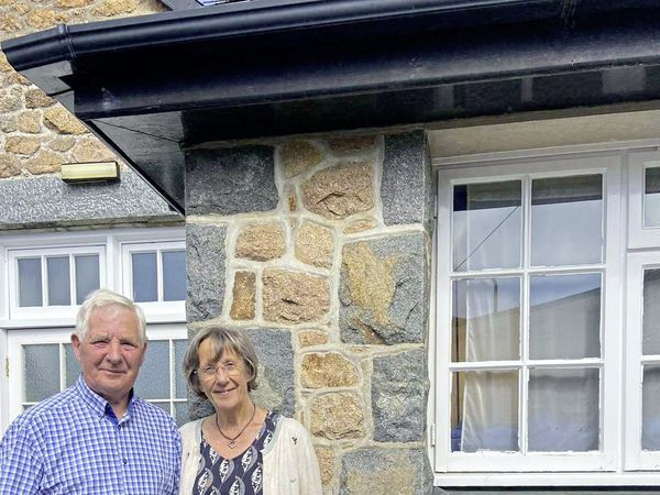 Winners of the Floral Gold award John and Marilyn Garnham. (29998997)