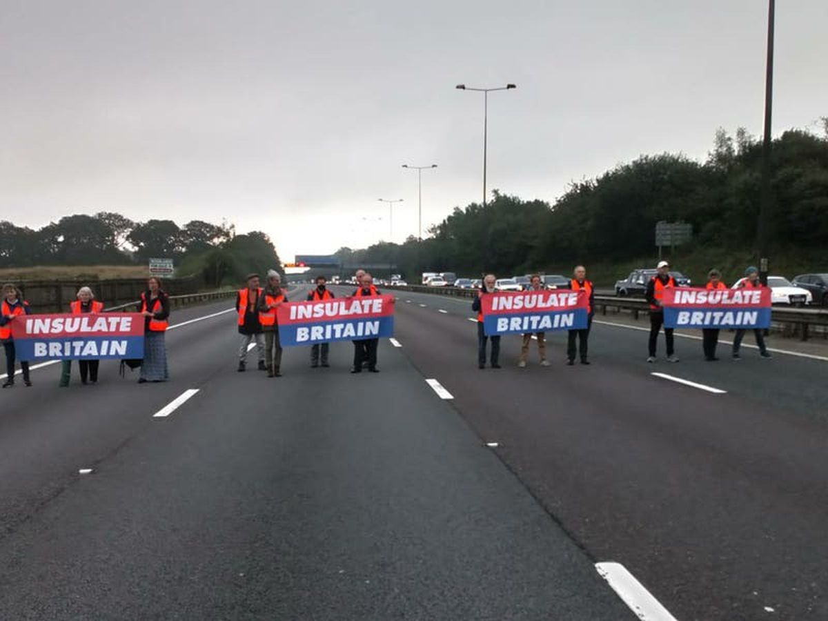 Scores of climate protesters arrested after M25 targeted for second time in week