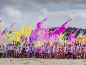 All the colours of the rainbow at the start. (Pictures by Peter Frankland, 29977951)