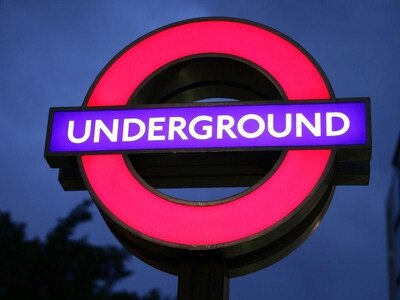 Woman cleared of threatening to knife baby on Tube train