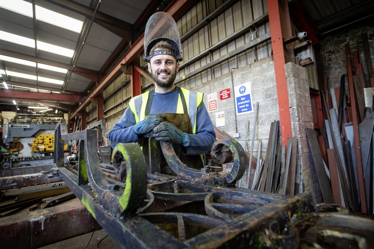 Picture By Peter Frankland. 22-10-20 Rory Moriarty, welder / fabricator at Channel Welders, working on the Elizabeth College gates which the company are restoring.. (28828018)