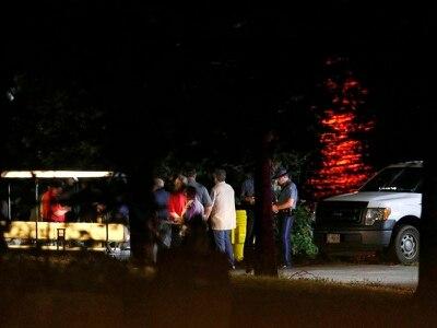 11 dead after tourist boat sinks in Missouri lake