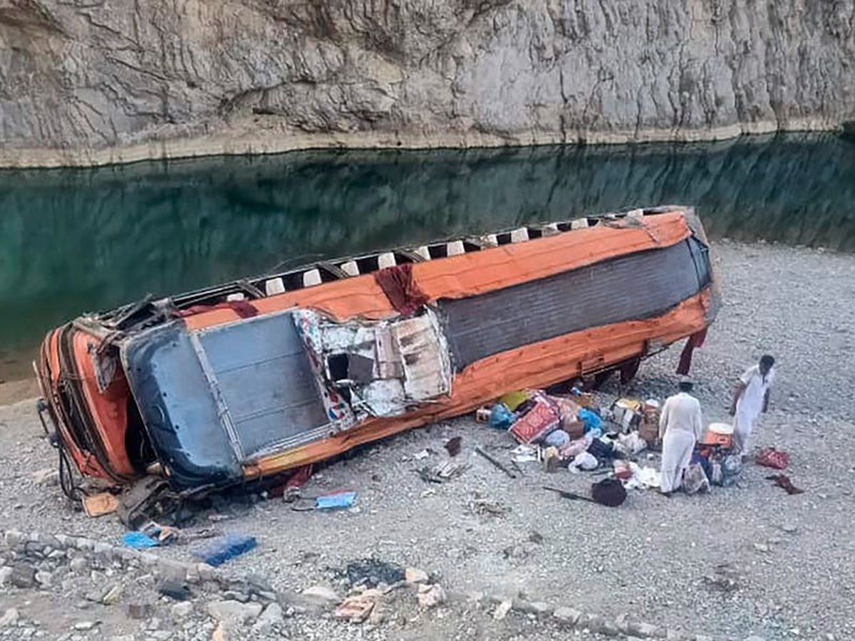 20 killed after bus plunges into ravine in south-west Pakistan