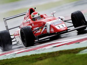 Seb Priaulx tackles a wet track in his Arden Motorsport car during qualifying at Donington Park. (Picture by Jakob Ebrey Photography)