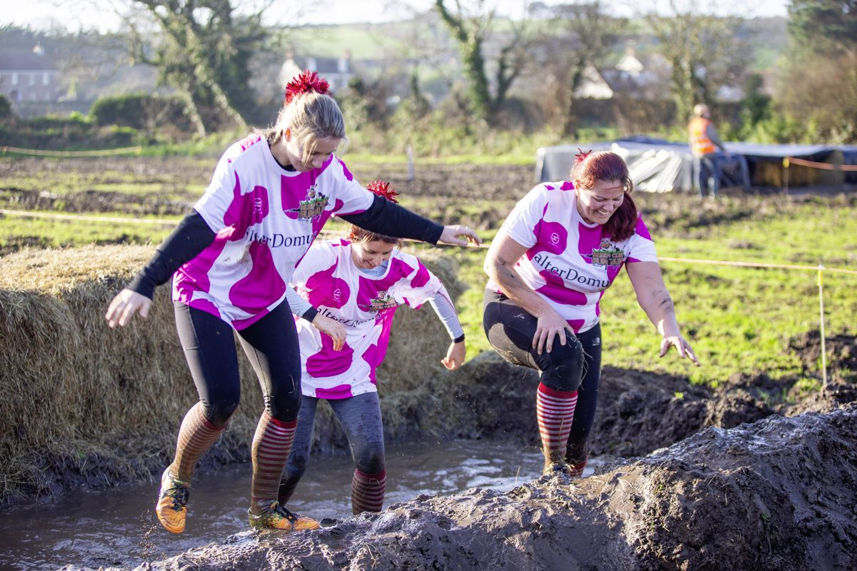 Picture by Sophie Rabey.  29-11-20. Muddy Cow Fun Run Vazon/Grande Mare. (28963002)