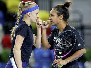 Harriet Dart, left, beat her Fed Cup teammate Heather Watson.(Picture from LTA, 29342806)