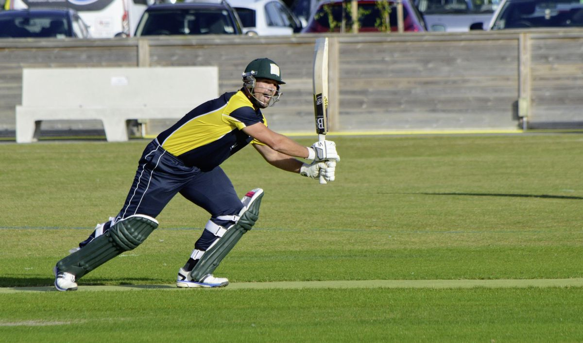 GH Smit brings up his century with a single to deep extra-cover. (Picture by Gareth Le Prevost, 28508418)