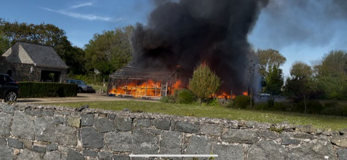 Picture by Lee Sebire of a glasshouse fire in St Sampson's. (29611292)
