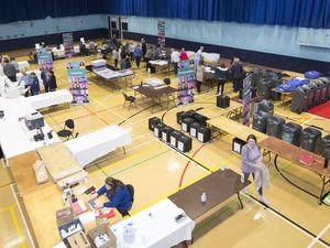 The recount gets under way in the first island-wide genera election.(29634211)