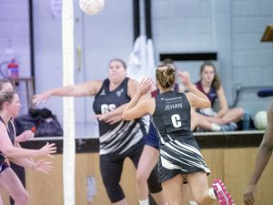 Picture by Sophie Rabey.  01-10-19.  Thunders Vs. Zebras 1.  Netball Winter League, Guernsey Grammar School. (25962498)