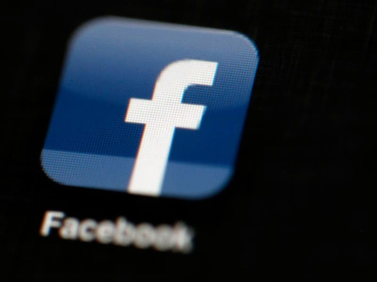 Russian court fines Facebook for failing to remove banned content