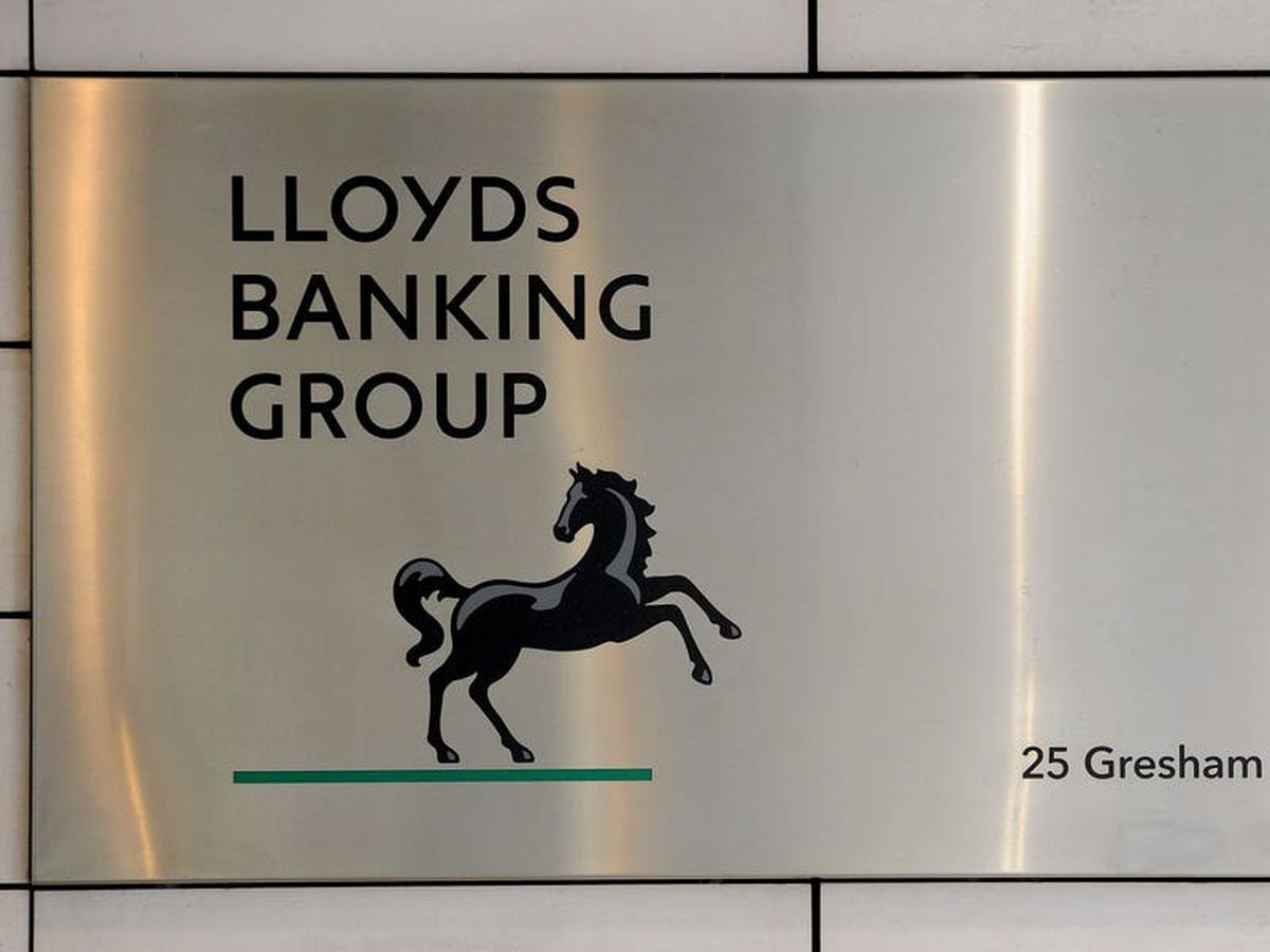 Lloyds profit drops by nearly three-quarters after Covid-19 hit